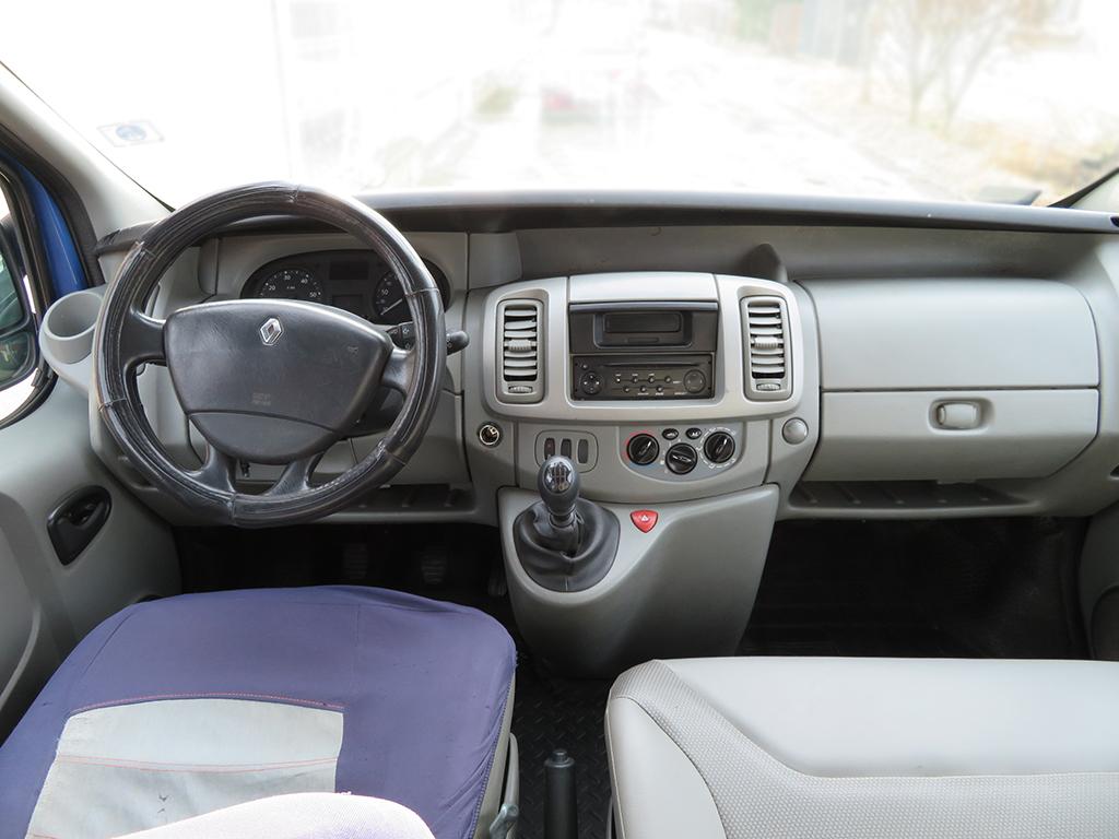 Renault-Trafic-04