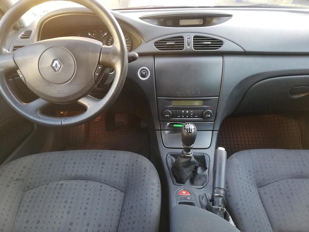 Bérelhető személyautó Renault Laguna Kombi dízel beltér